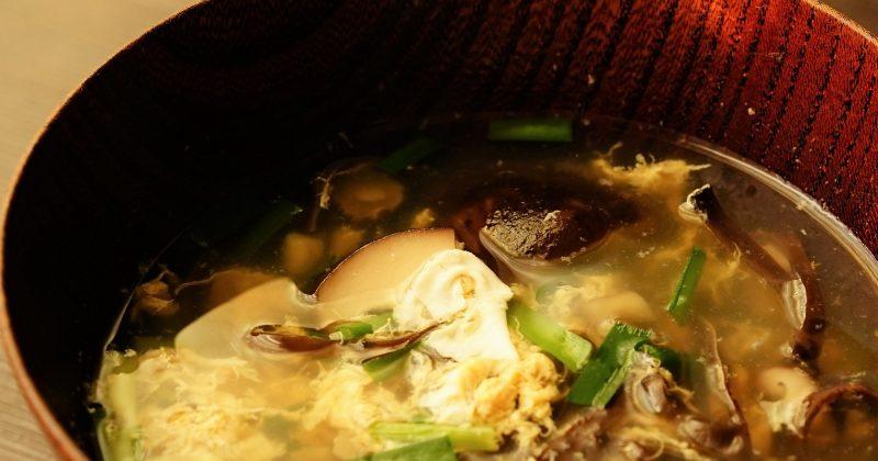 鮮冬菇韮菜蛋花湯